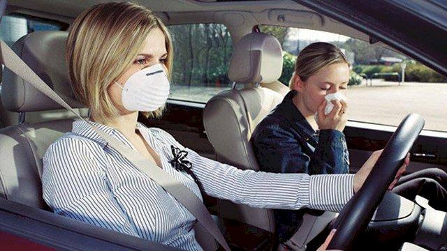 Ngồi chung ô tô có thể bị lây nhiễm virus Covid-19, cách nào phòng tránh?