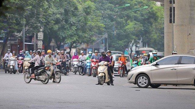 Nhiều vụ tắc đường ở các ngã 4 không phải vì xe quá đông không di chuyển được mà là do nhiều xe xung đột với nhau
