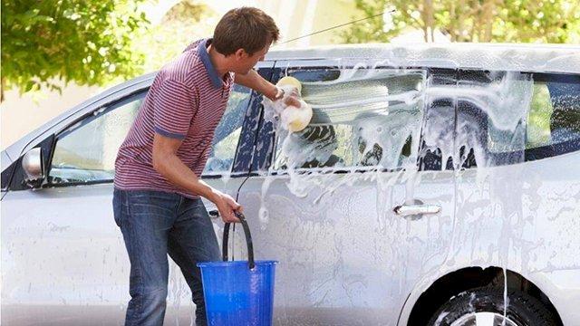 Việc rửa xe thường xuyên không đảm bảo rằng đèn pha sẽ sáng rõ