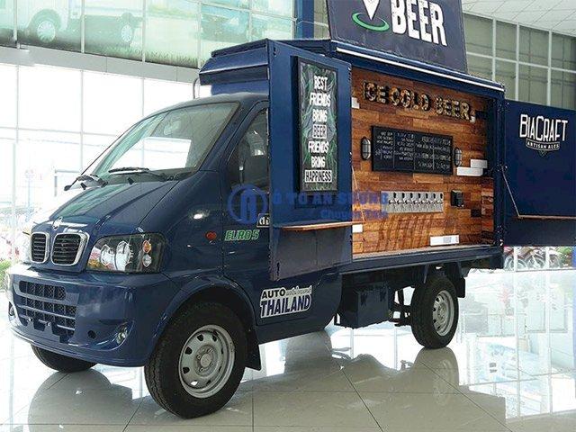 Xe tải bán hàng lưu động bán bia