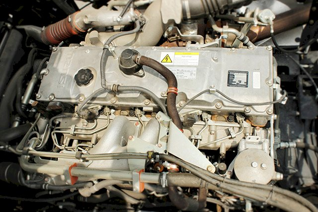 ĐỘng cơ xe đầu kéo Isuzu 380HP