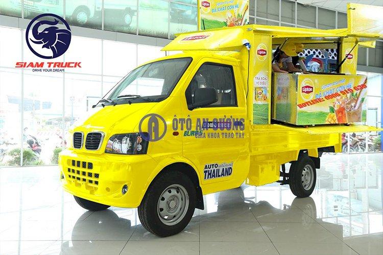 Xe tải bán hàng lưu động bán trà lipton