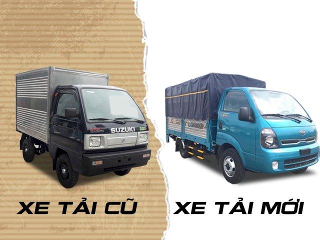 xe tải cũ và xe tải mới